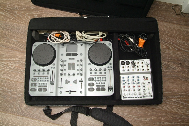 conseil pour petite table de mixage forum m audio torq. Black Bedroom Furniture Sets. Home Design Ideas