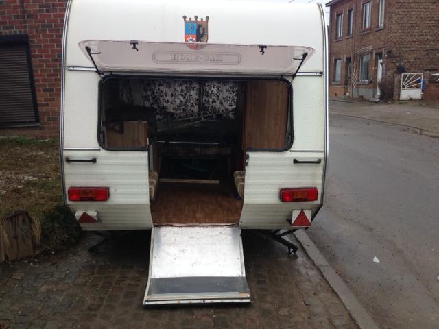 caravane moto vendue gusss. Black Bedroom Furniture Sets. Home Design Ideas