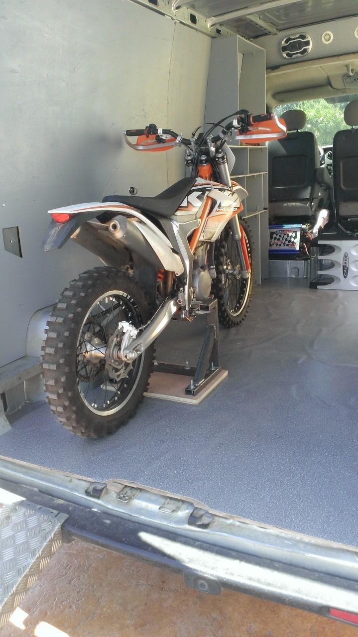 fabrication d 39 un support pour transport moto sans sangle. Black Bedroom Furniture Sets. Home Design Ideas