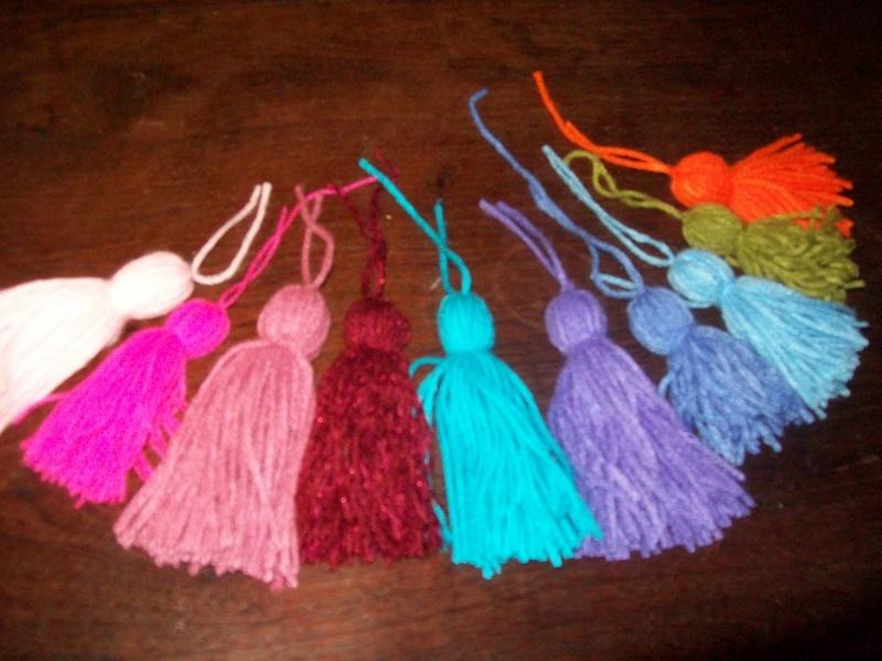 Como hacer borlas de lana ialdametuka - Como hacer punto de lana paso a paso ...
