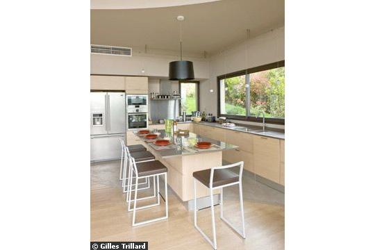 Agencement salon cuisine dans une maison for En cuisine qu est ce qu une girolles